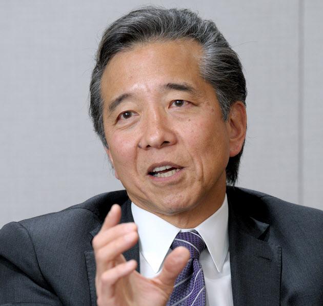 20160222_日本IBM社長 ポール与那嶺_日本経済新聞朝刊