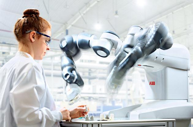 20160223_ヒトと共同で作業できるABBのロボット「YuMi(ユミ)」_日本経済新聞朝刊