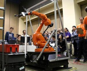 20160405_米アマゾンが昨年初開催したロボット競技会。社外の知を求め、自動化を加速する_日本経済新聞朝刊