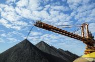 20170613_原料炭は大手の寡占が進む(ブラジル大手ヴァ―レの鉱山)=同社提供_日本経済新聞朝刊